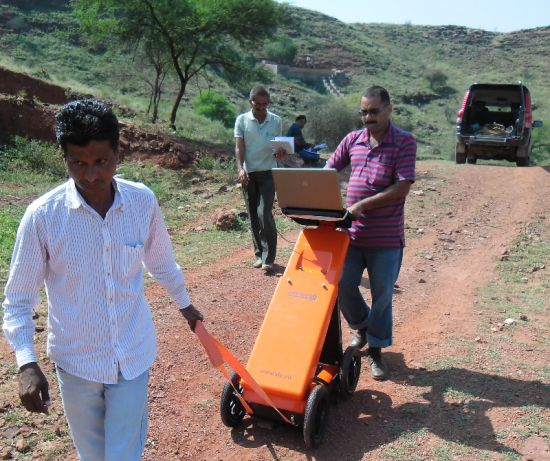 Road survey with VIY3 ground penetrating radar