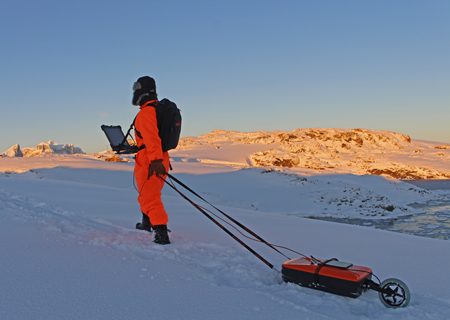 Antarctical ice exploration with VIY3 GPR